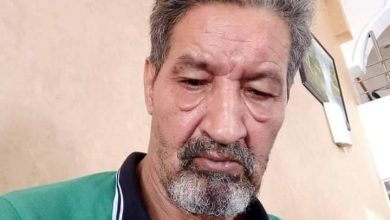 صورة إقاف المحامي الحقوفي المثير للجدل ميلود عبوز من طرف شرطة الخميسات