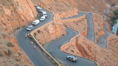 صورة ردو بالكم فالطريق بين إملشيل وتنغير.. انهيارات صخرية توقف حركة السير