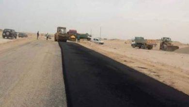 صورة فرحة عارمة لسائقي الشاحنات بعد إعادة فتح المركز الحدودي للكركرات